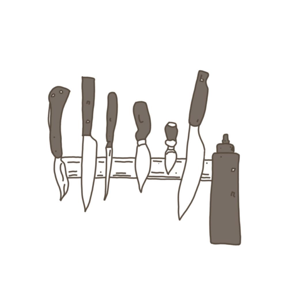 6本のナイフとオイルチューブ。柄に色